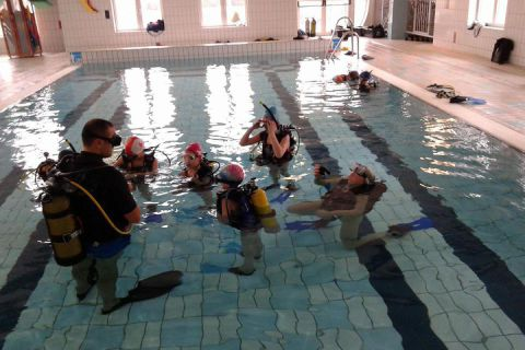 Pojedyncza lekcja nurkowa dla dzieci